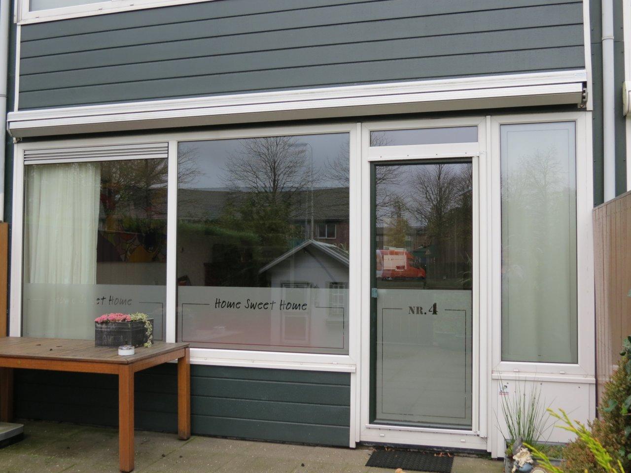 Raamfolie voordeur zelf ontwerpen en aanbrengen - Decoratie ontwerp kantoor ontwerp ...
